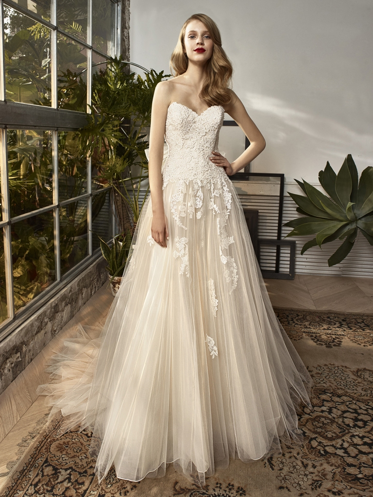 Beautiful bridal gowns for 2018 19