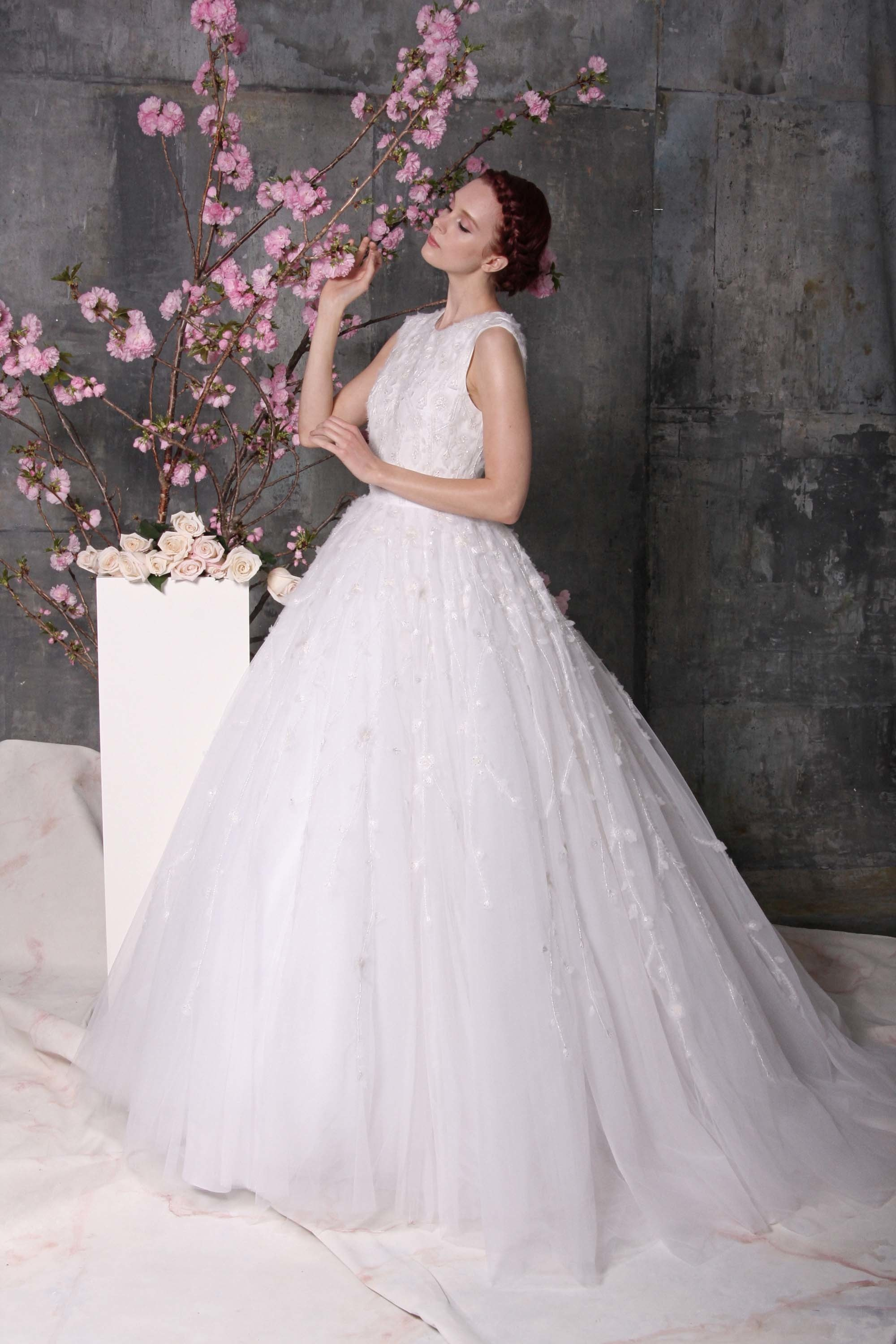 Beautiful bridal gowns for 2018 23