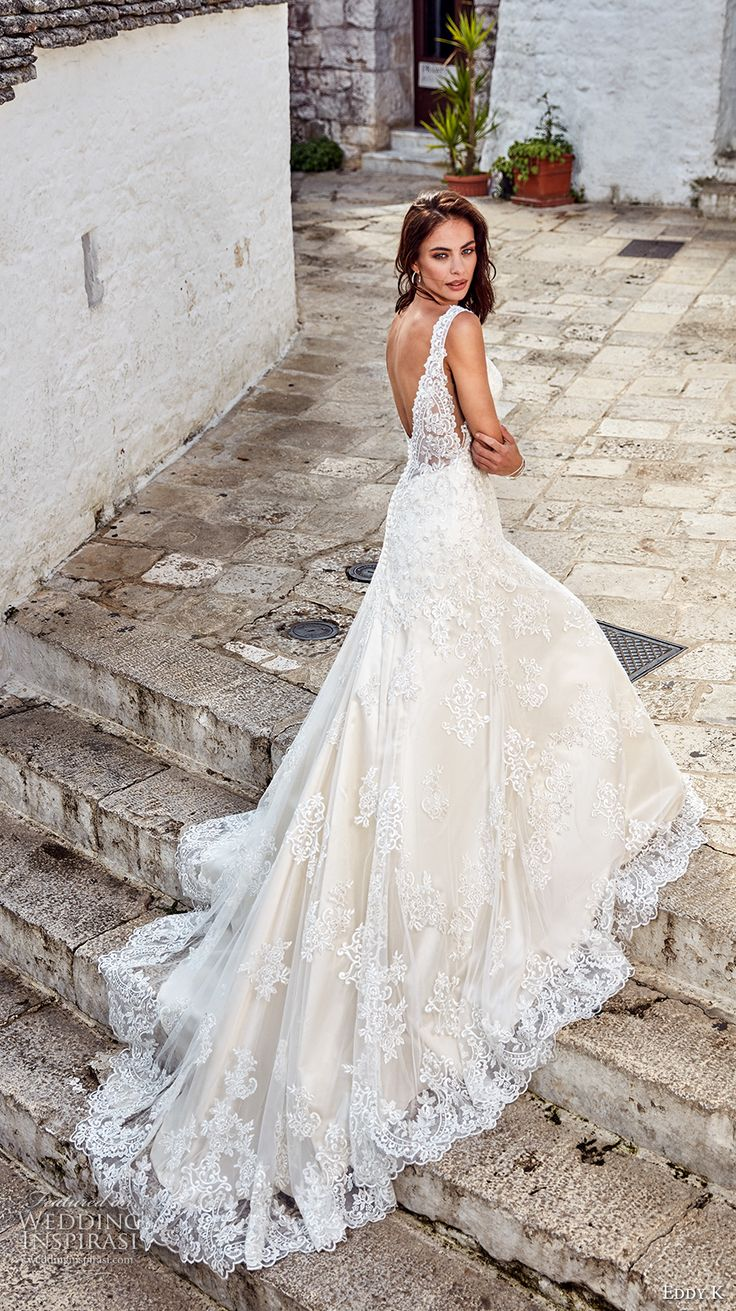 Beautiful bridal gowns for 2018 3