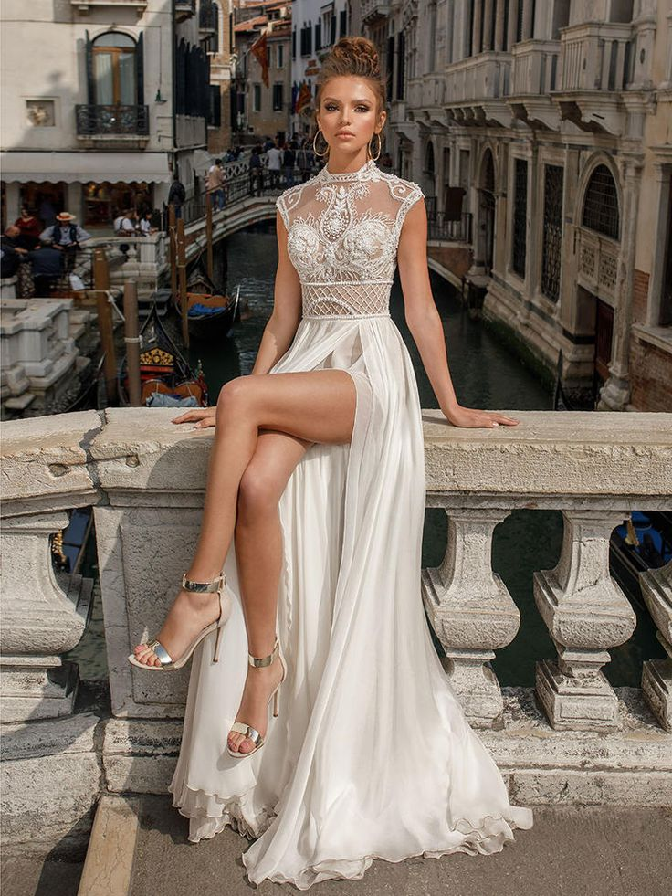 Beautiful bridal gowns for 2018 7