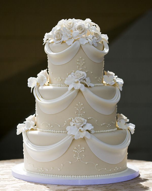 simple elegant wedding cake design 25 beautiful wedding cake ideas 19970
