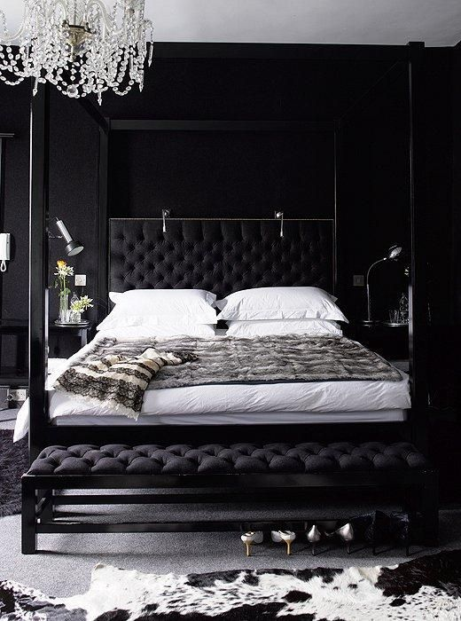 Black and white bedroom ideas 18