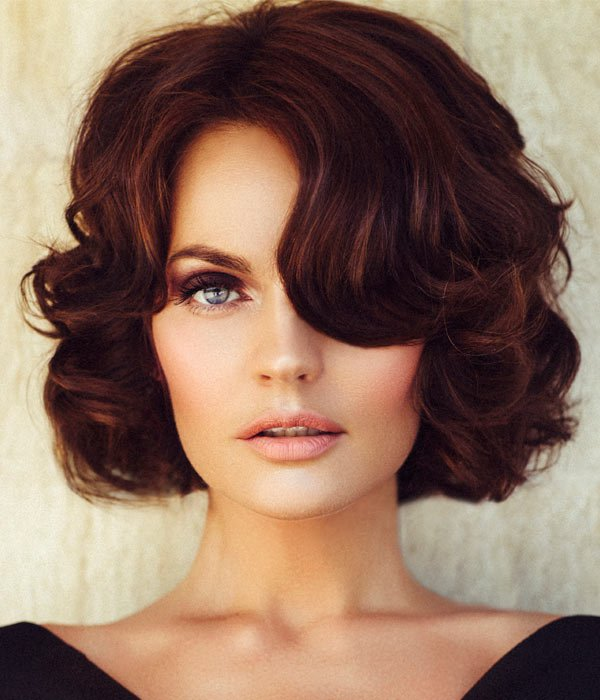 Classic medium length haircuts 11