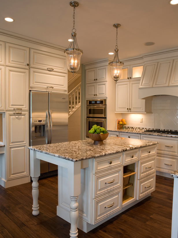 Cottage Style Kitchens with White Cabinets