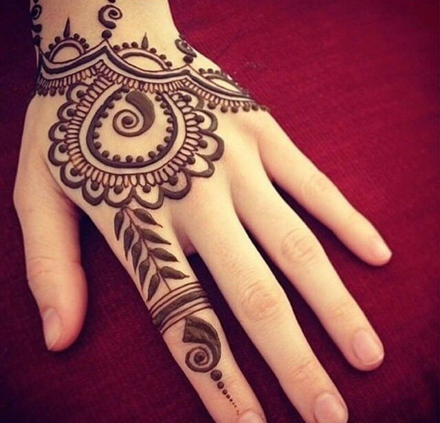 Henna tattoo ideas with images 26