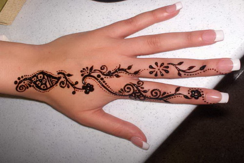 Henna tattoo ideas with images 27