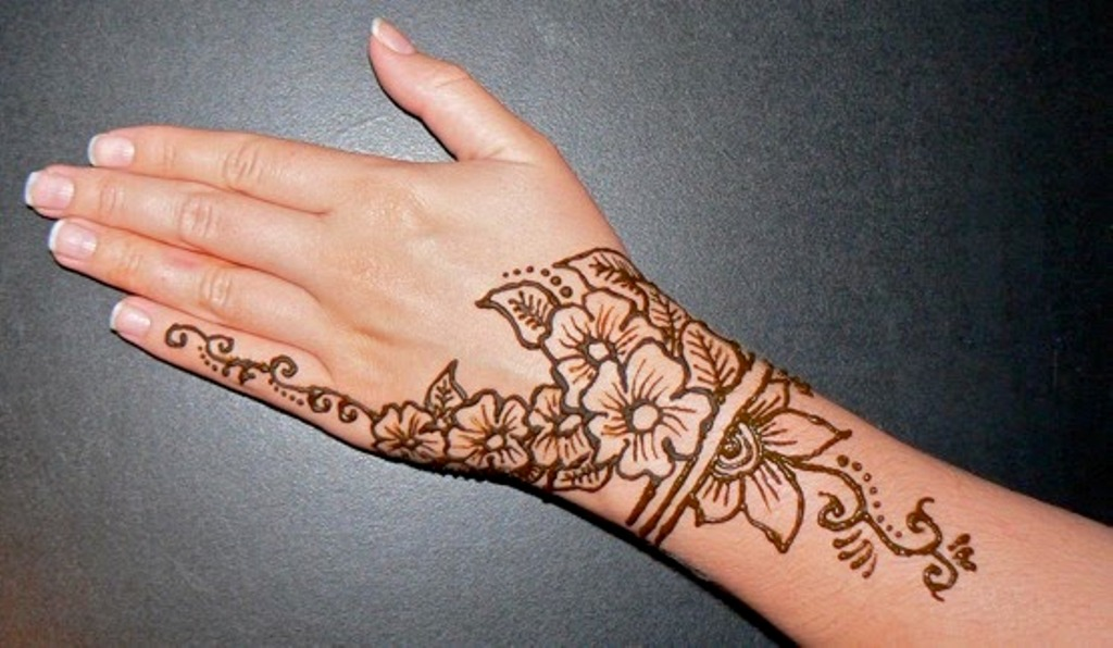 Henna tattoo ideas with images 8