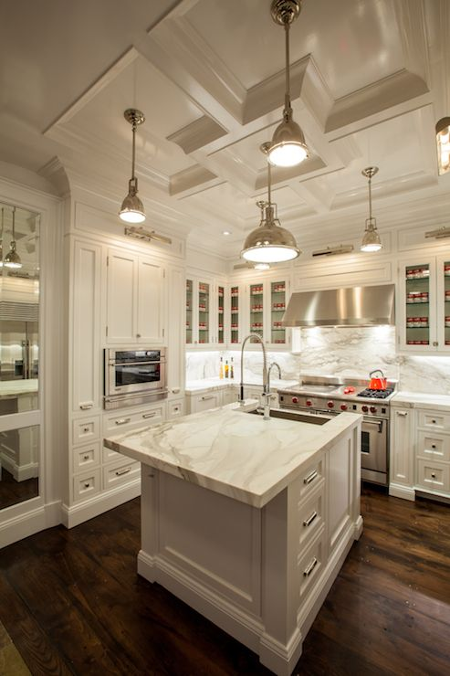 Kitchen Backsplash White Cabinets Marble Countertop