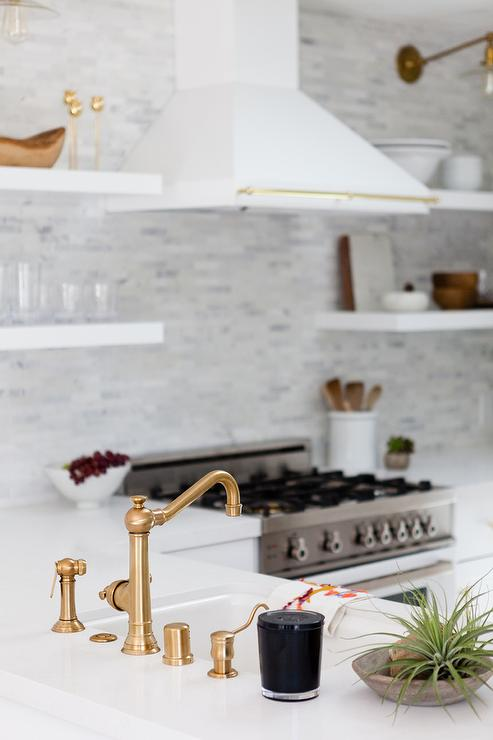 Kitchen Peninsula with Sink in White