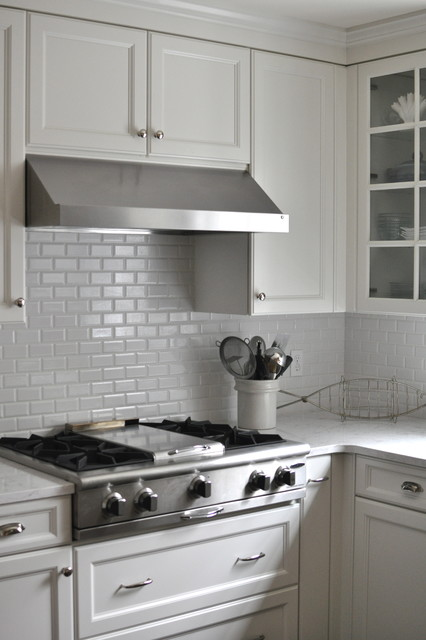 Quartz Kitchen Countertops White Subway Tile Backsplash