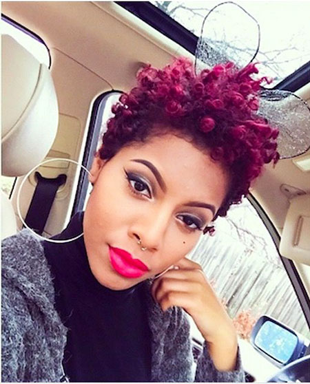 Short hairstyles for black women 23