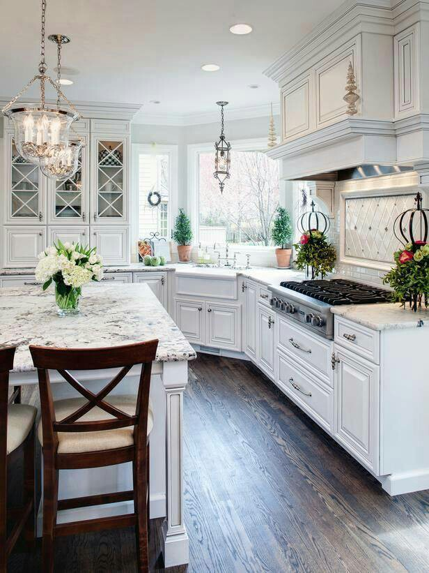 White Traditional Kitchen Design Ideas