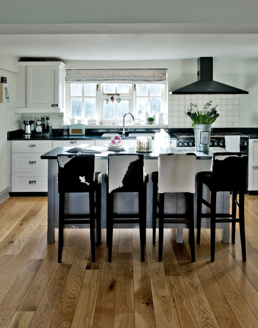 Black White Kitchen with Bar Stools