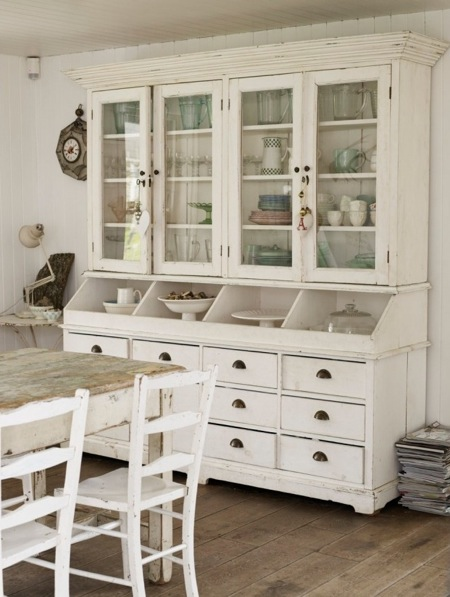 Country Dining Room Hutch