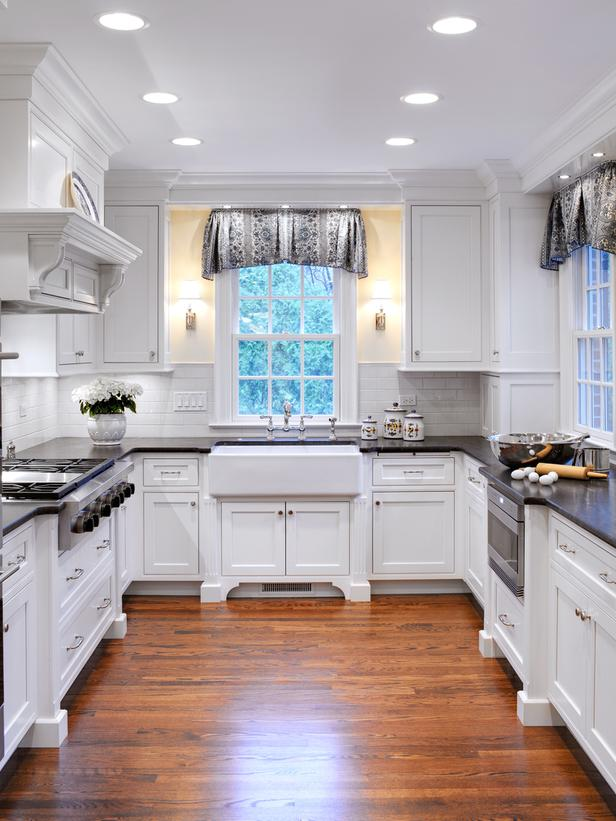 White Cottage Kitchen Designs