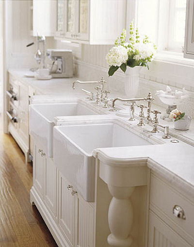 White Double Farmhouse Kitchen Sinks
