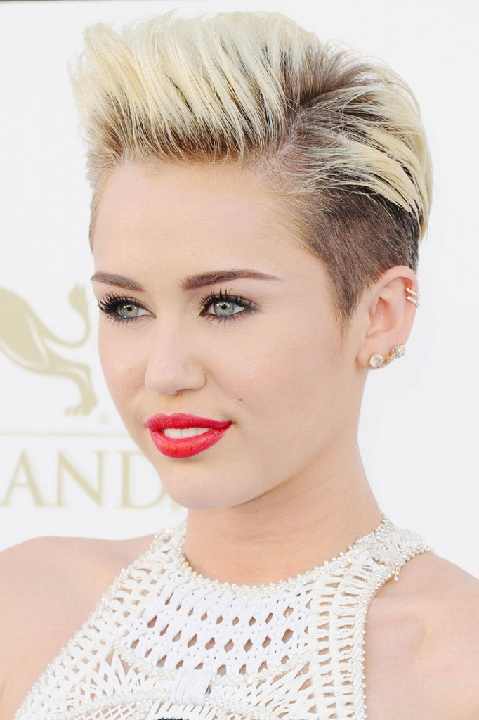 Short Pixie Haircuts 40 Best Pixie Cuts Iconic Celebrity Pixie Hairstyles