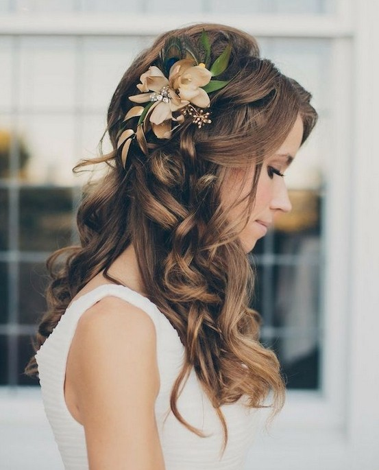 Beautiful Wedding updos for 2018 10