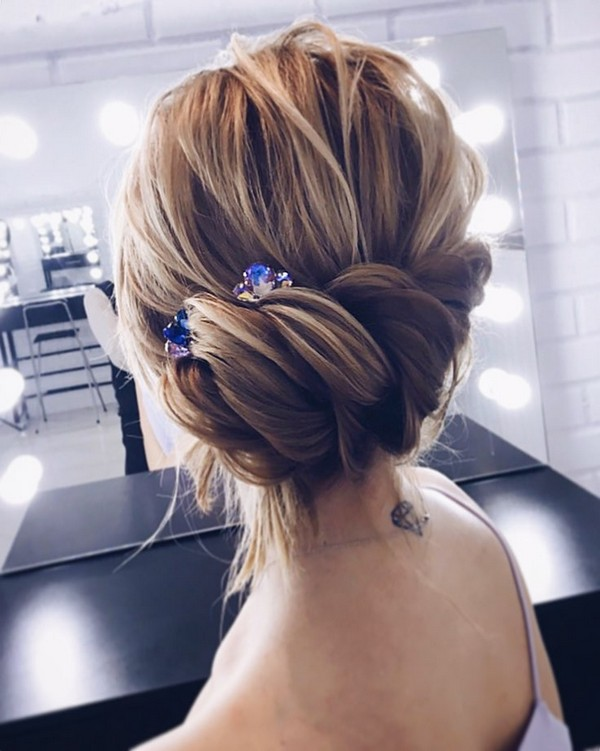 Beautiful Wedding updos for 2018 18