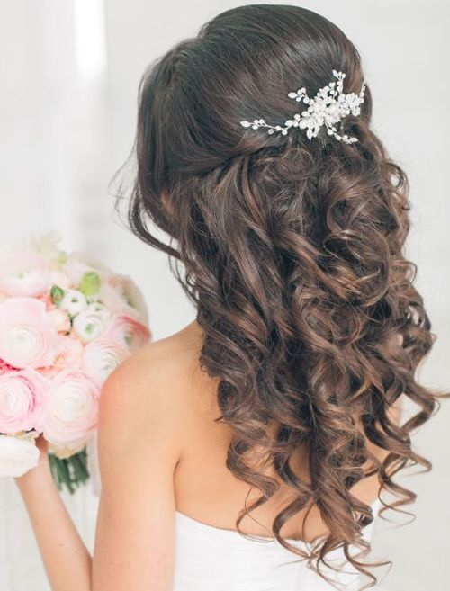 Beautiful Wedding updos for 2018 35