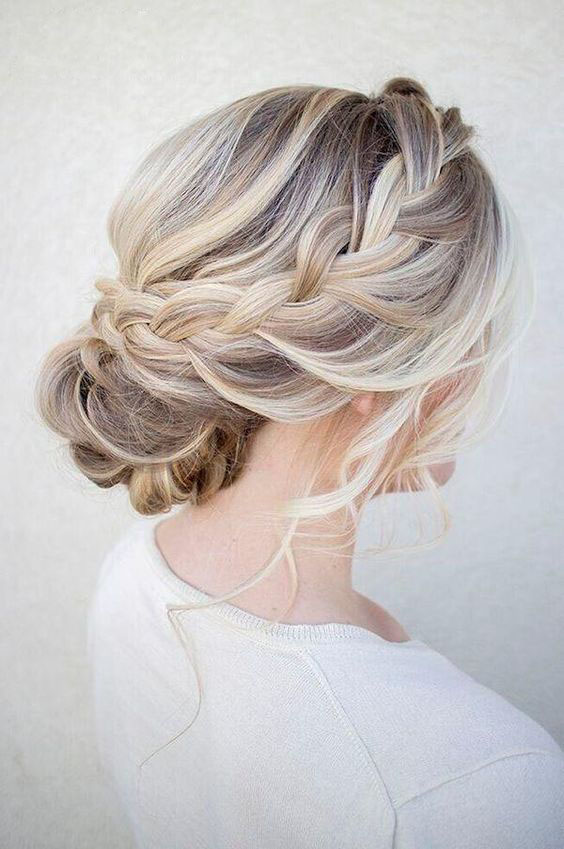 Beautiful Wedding updos for 2018 9