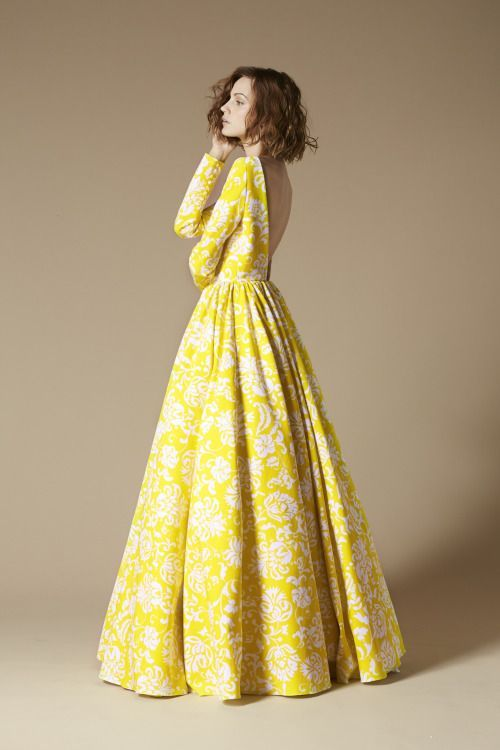 Beautiful yellow dresses this season 15