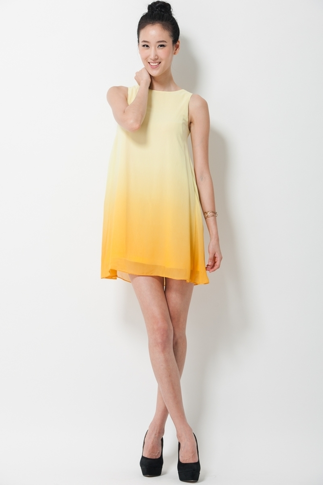 Beautiful yellow dresses this season 19