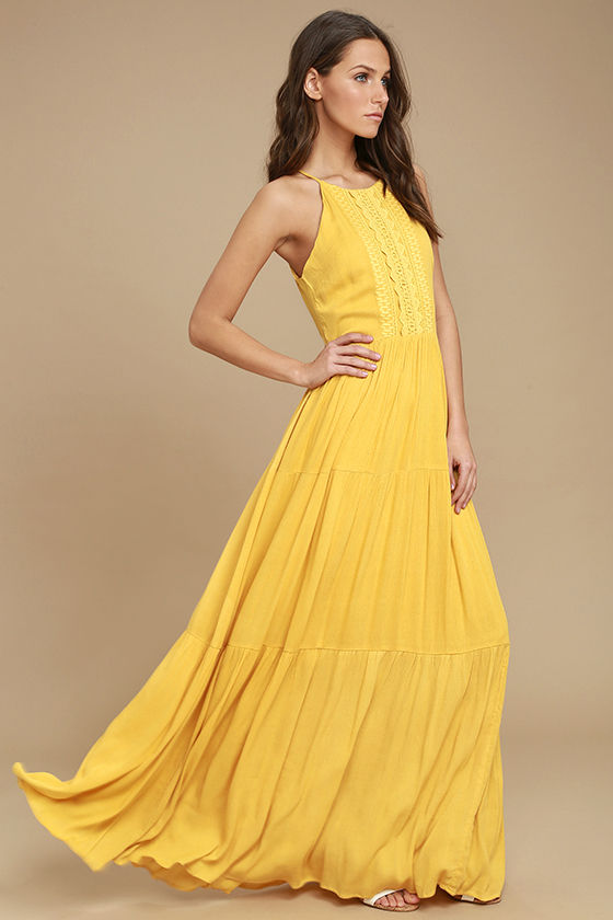 Beautiful yellow dresses this season 22