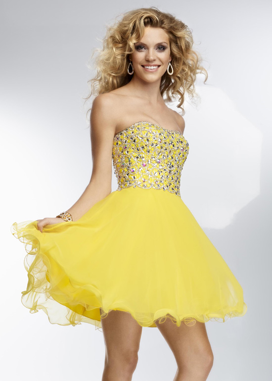 Beautiful yellow dresses this season 26