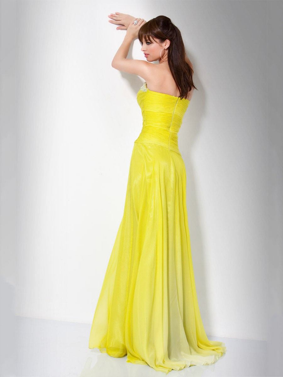 Beautiful yellow dresses this season 27