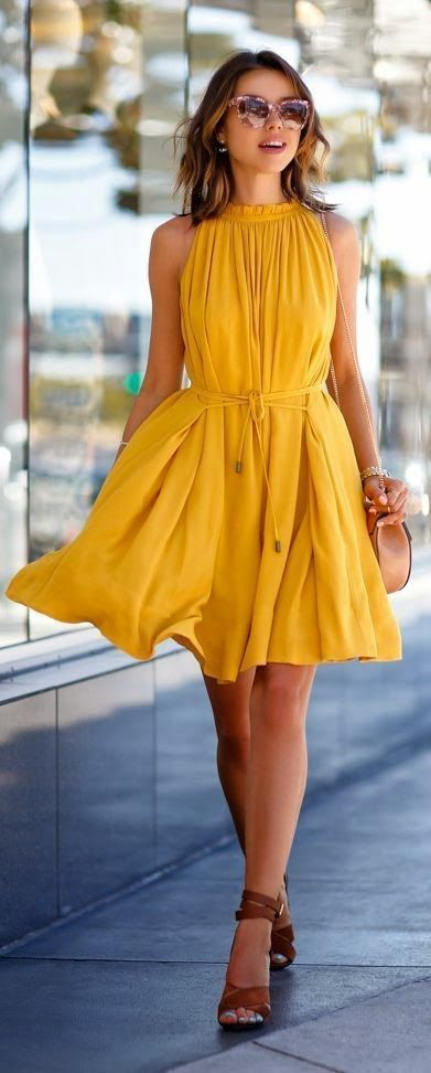 Beautiful yellow dresses this season 31