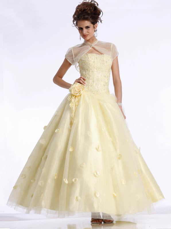 Beautiful yellow dresses this season 33