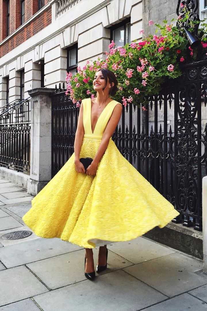 Beautiful yellow dresses this season 36