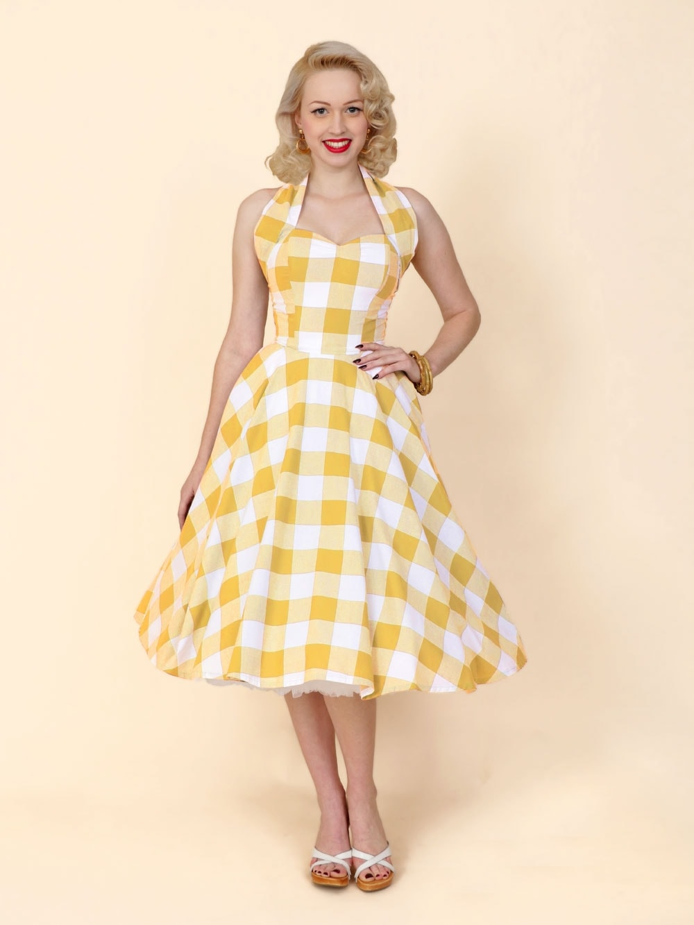 Beautiful yellow dresses this season 45