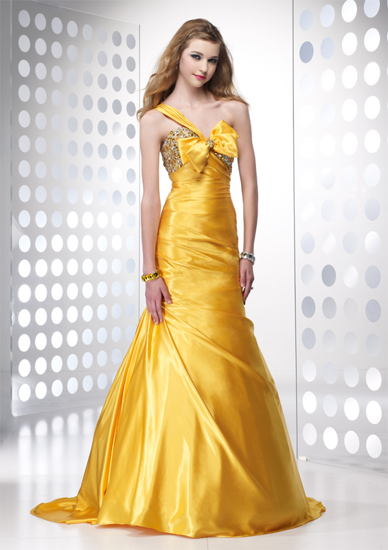 Beautiful yellow dresses this season 5