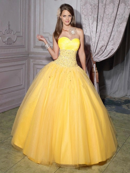 Beautiful yellow dresses this season