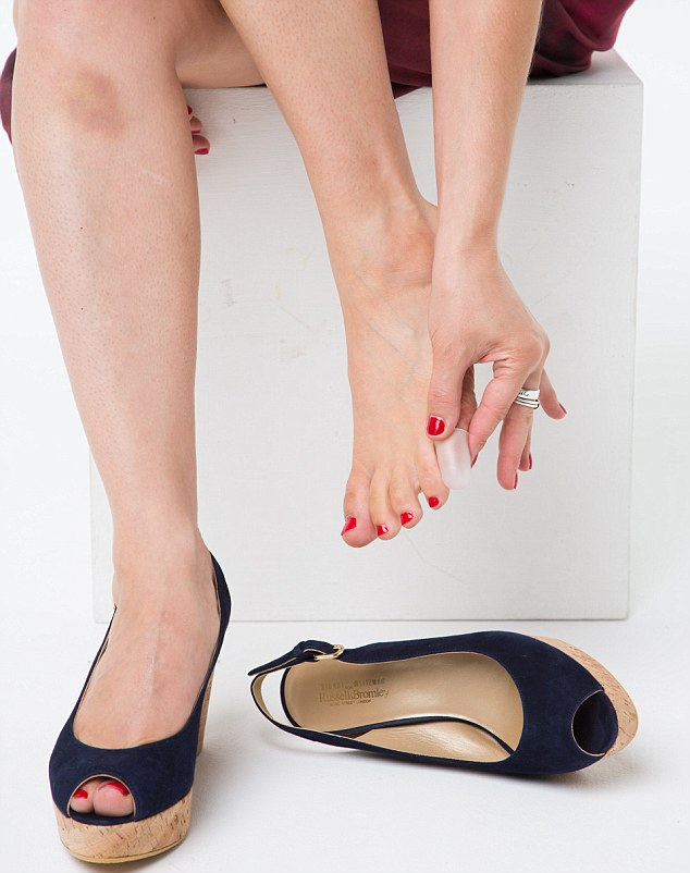fml-Claire Coleman 'Breaking in Summer Sandals'-30.jpg