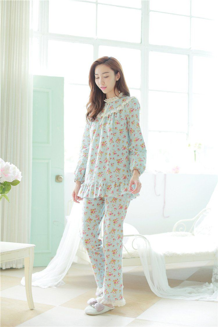 Floral pajamas for girls to flaunt this summer 2018