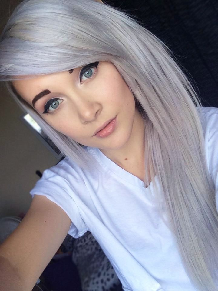 Grey Blue Hair Color Trend For Women 9