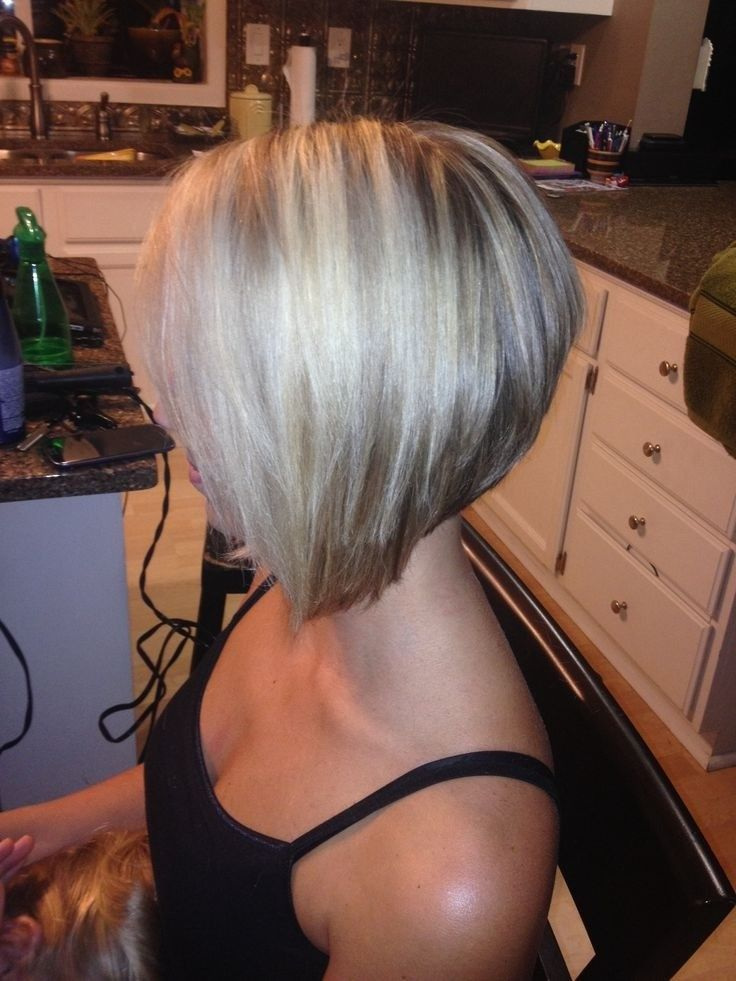 Stylish Inverted Bob Hairstyle Ideas for Women 1