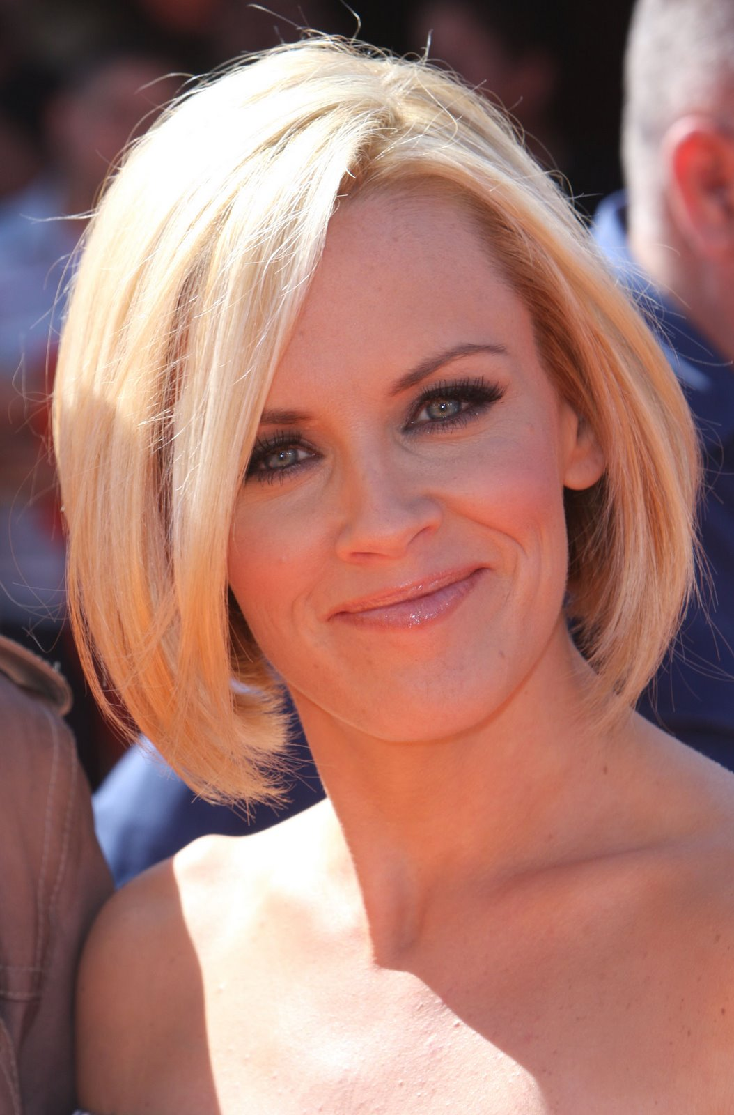 Stylish Inverted Bob Hairstyle Ideas for Women 20