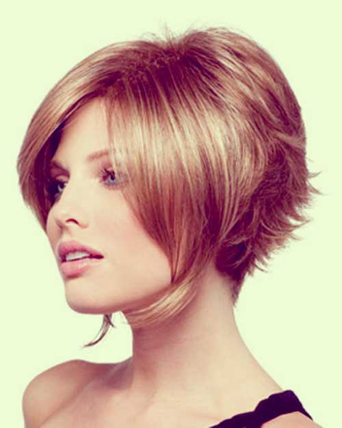 Stylish Inverted Bob Hairstyle Ideas for Women 3