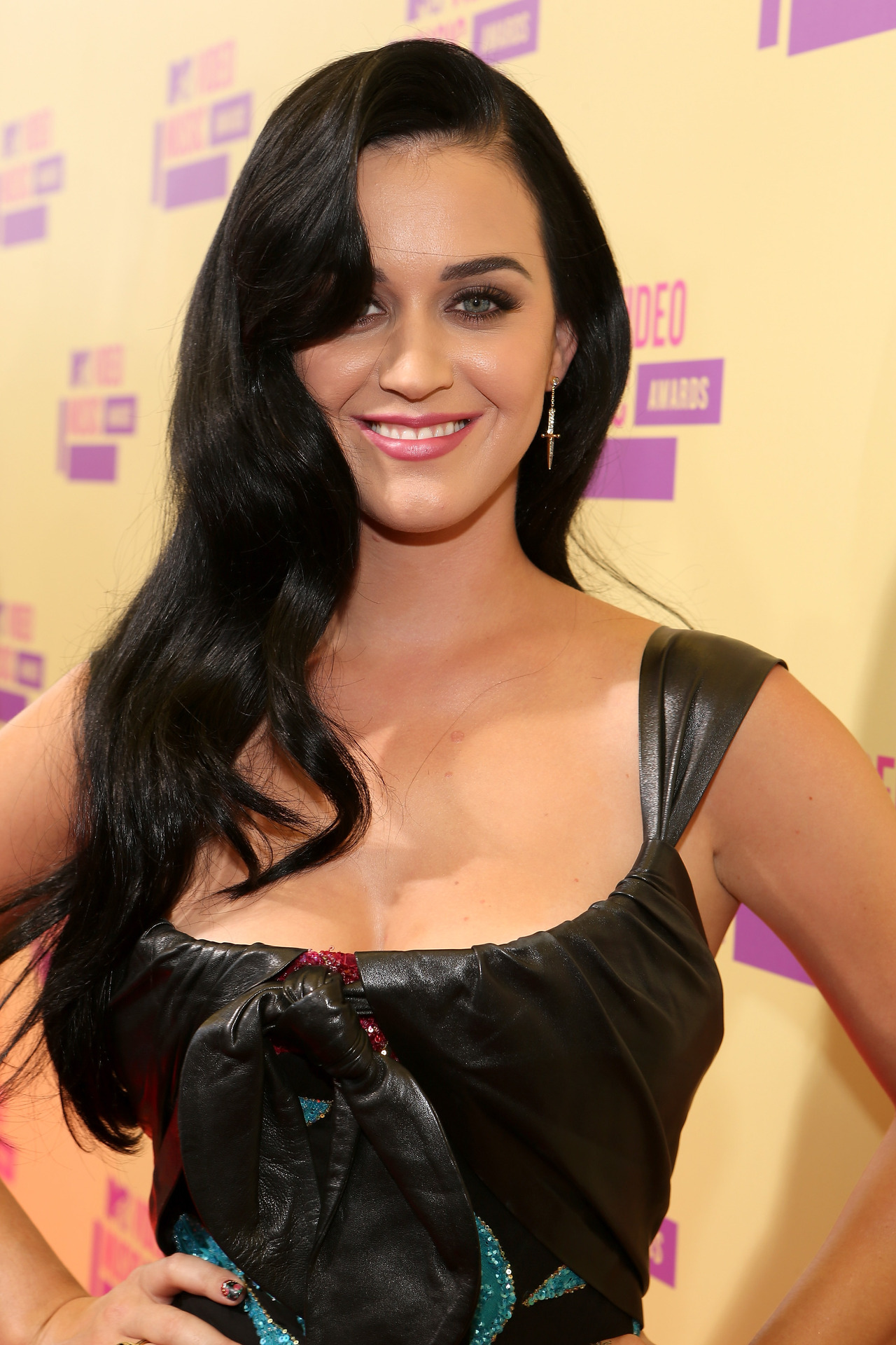 Gorgeous Katy Perry Hairstyles 22