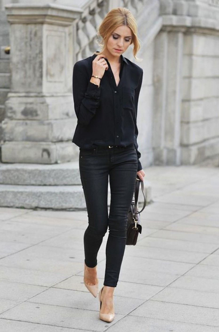 New Trendy Black Jeans Outfits Ideas For Women 12