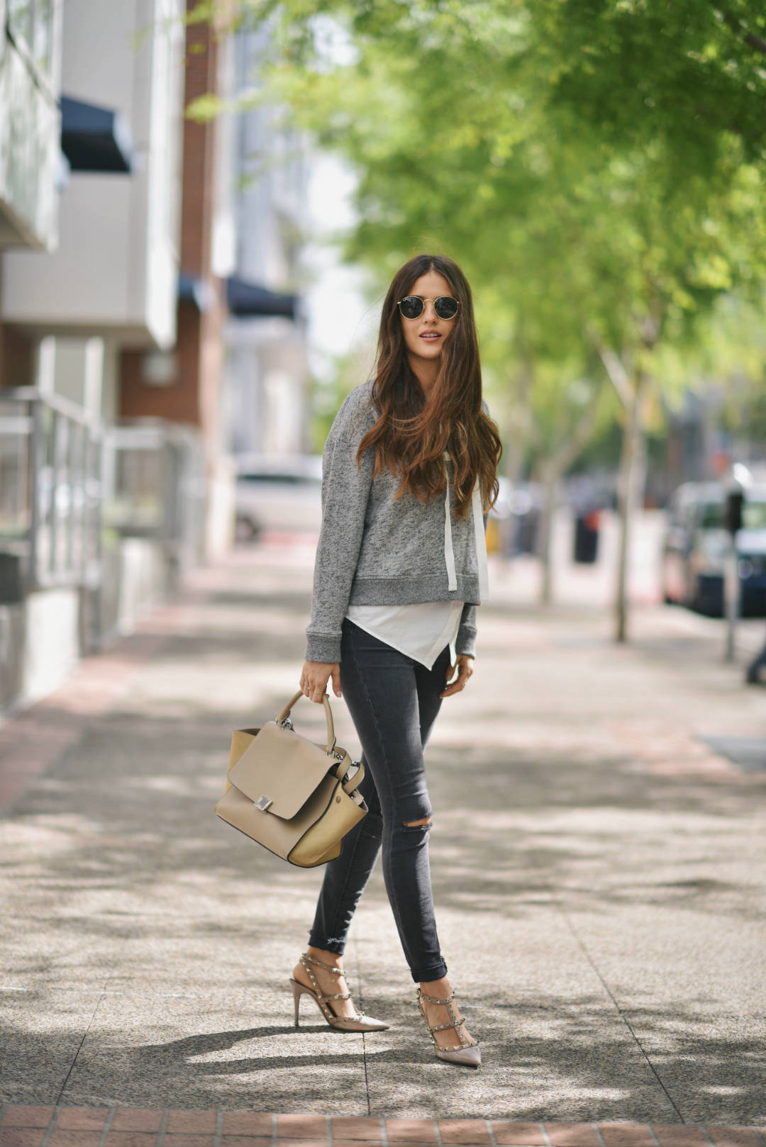 New Trendy Black Jeans Outfits Ideas For Women 17