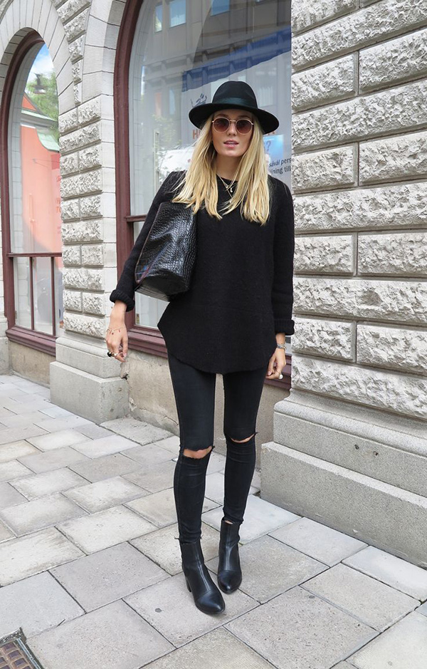 New Trendy Black Jeans Outfits Ideas For Women 22
