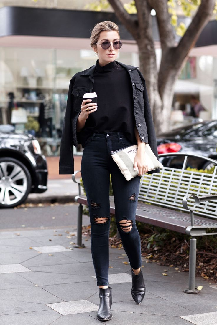 New Trendy Black Jeans Outfits Ideas For Women 25
