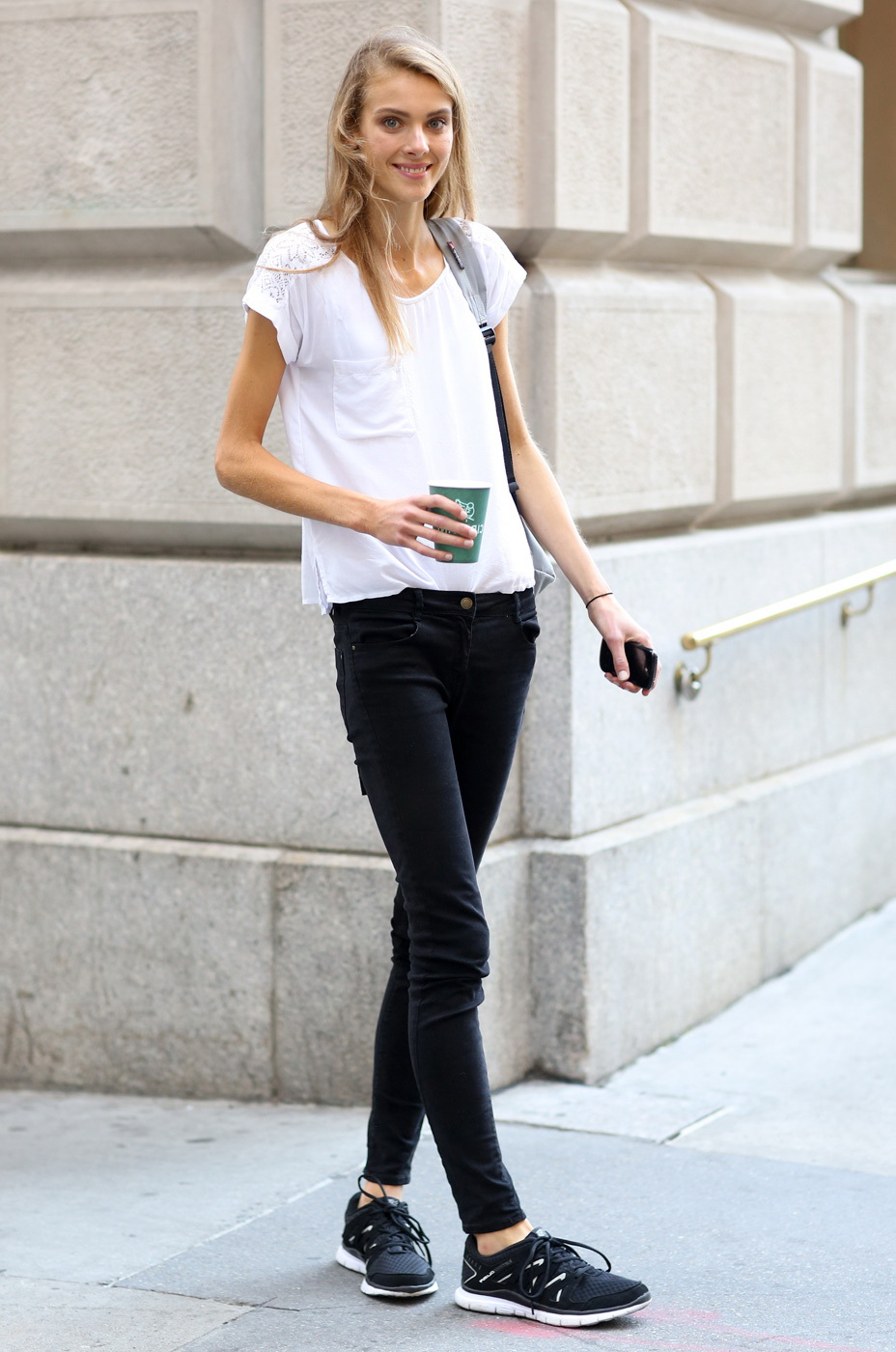 New Trendy Black Jeans Outfits Ideas For Women 27