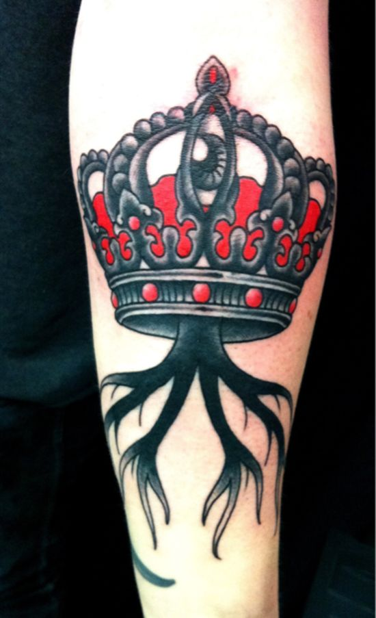 Awesome crown tattoo designs ideas 23