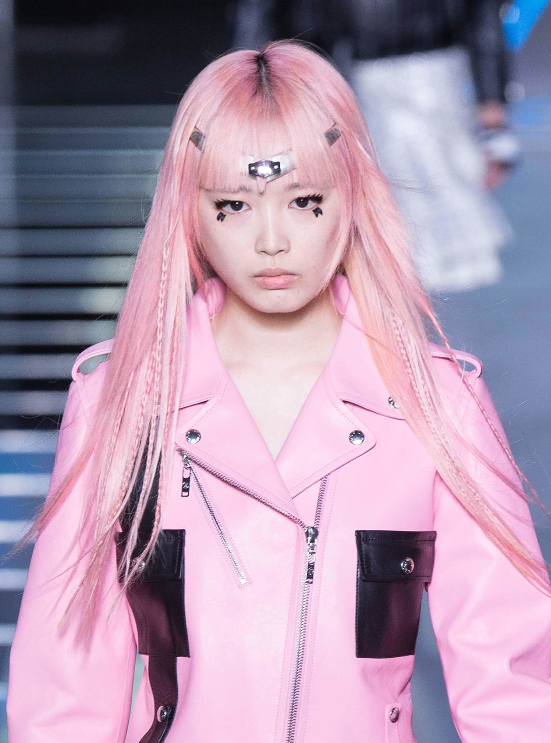 Ideas for girls to rock the pink bubble gum look 10